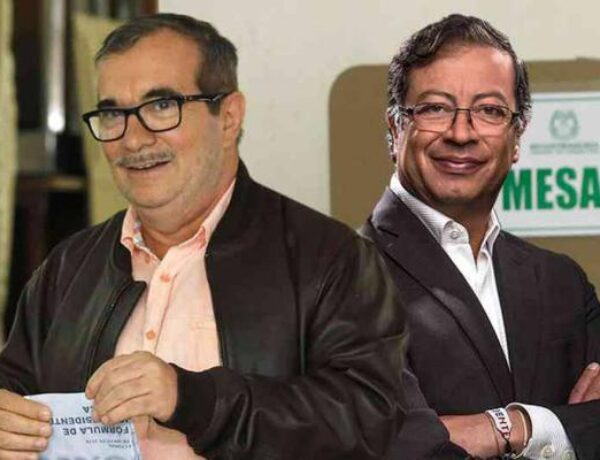 LAS FARC CON PETRO : ¿ EL ABRAZO DEL OSO ?