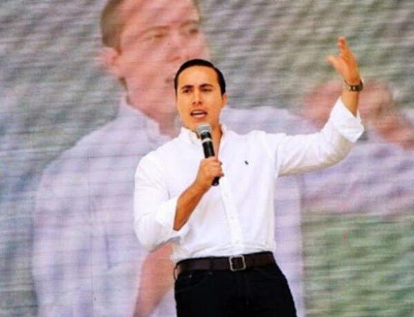 RICHARD AGUILAR VILLA, LÍDER DE SANTANDER CON RECONOCIMIENTO NACIONAL